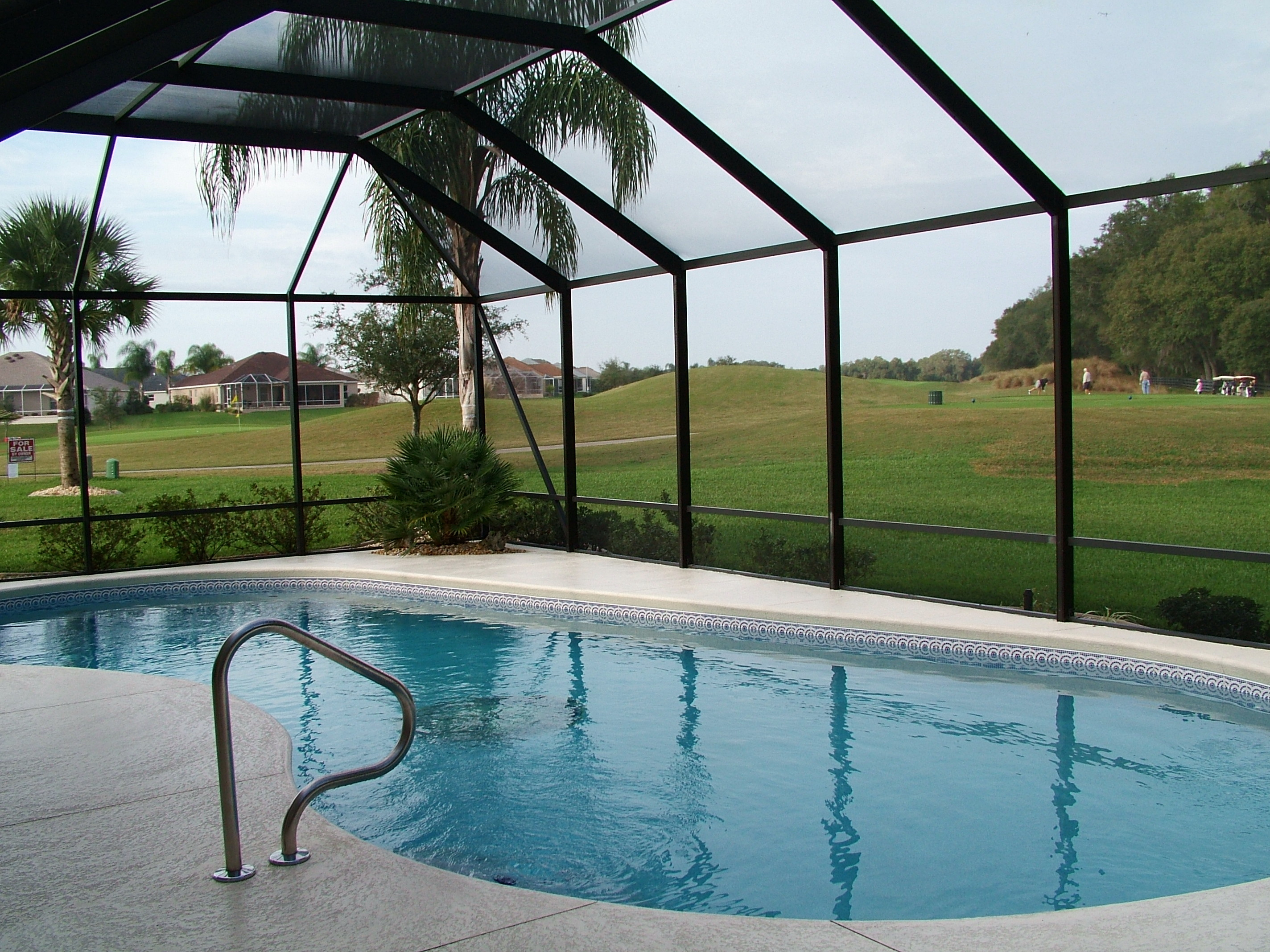 Do All Pools Need A Birdcage Enclosure In Florida